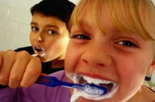 Risco Para a Dentição do Uso do Flúor e de Antibióticos